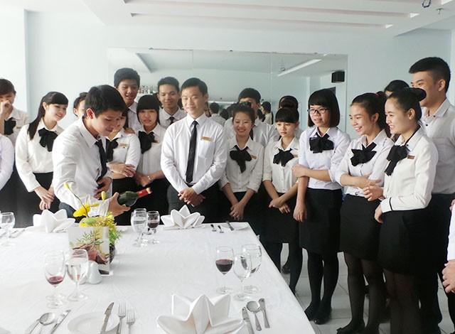 Ngành Quản trị khách sạn mở ra nhiều cơ hội việc làm cho sinh viên